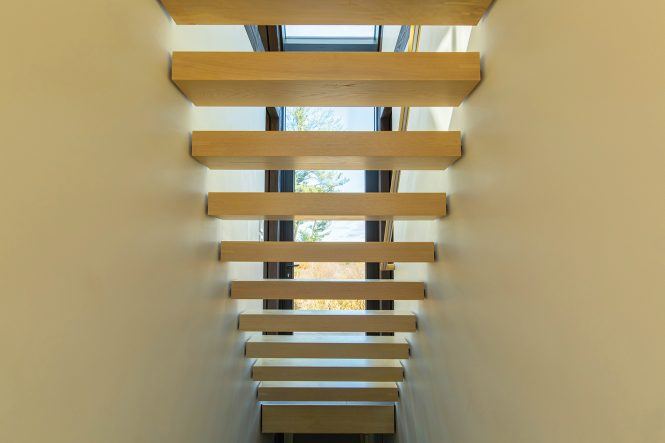 barnhouse stairs sun-shading